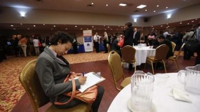 Photo of U.S. Jobless Claims Fall to 211,000 in Week Ending March 7