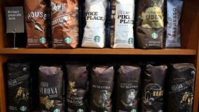 Photo of Starbucks closes most U.S., Canada cafes, moves to drive-through