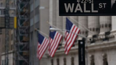 Photo of Stocks – Wall Street Falls Again, but Late Buying Limits the Damage