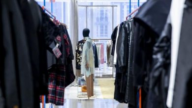Photo of U.S. Consumer Sentiment Falls Less Than Forecast in March