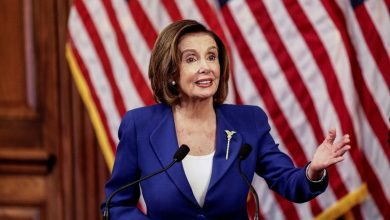 Photo of Pelosi urges U.S. Treasury not to delay $25 billion in grants to airlines