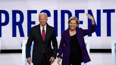 Photo of Warren says she would accept an offer to be Biden's running mate