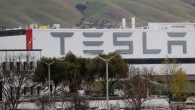 Photo of Tesla is calling some workers back to California factory: Bloomberg News