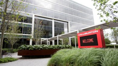 Photo of Halliburton posts fourth straight quarterly loss as oil rout drags demand