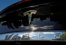 Photo of Tesla sets revenue record, makes profit thanks to pollution credit sales to rivals