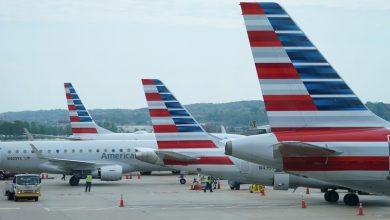 Photo of American Airlines, Southwest post deep losses and renew calls for aid