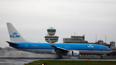 Photo of Dutch government puts KLM bailout plan on hold after pilots reject wage freeze