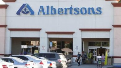 Photo of Albertsons Sees the Good Times Rolling on After Topping Profit Estimates