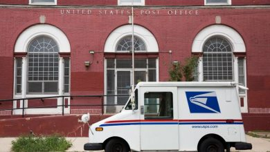 Photo of U.S. judge orders USPS to reinforce 'extraordinary measures' ballot delivery policy
