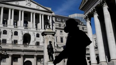 Photo of Bank of England, facing COVID and Brexit, ramps up stimulus again
