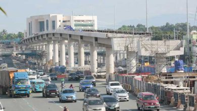 Photo of MRT-7 North Ave. to Sacred Heart, Caloocan seen running by Dec.
